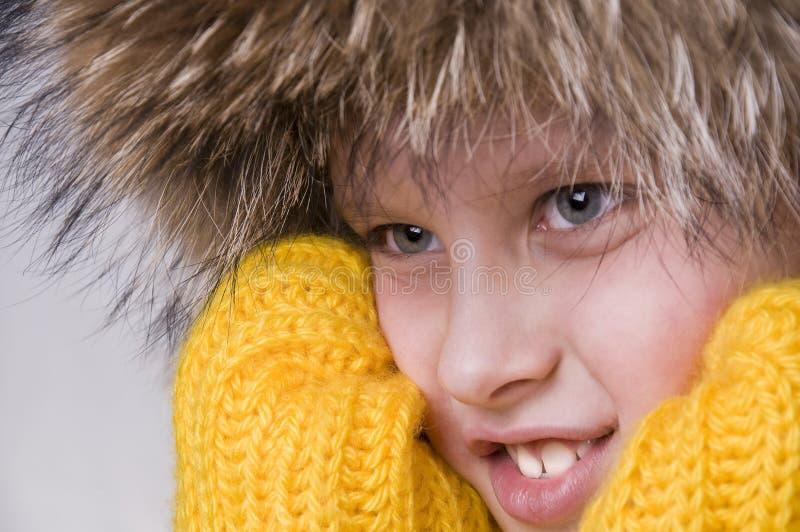 男孩盖帽毛皮少许纵向冬天 免版税图库摄影