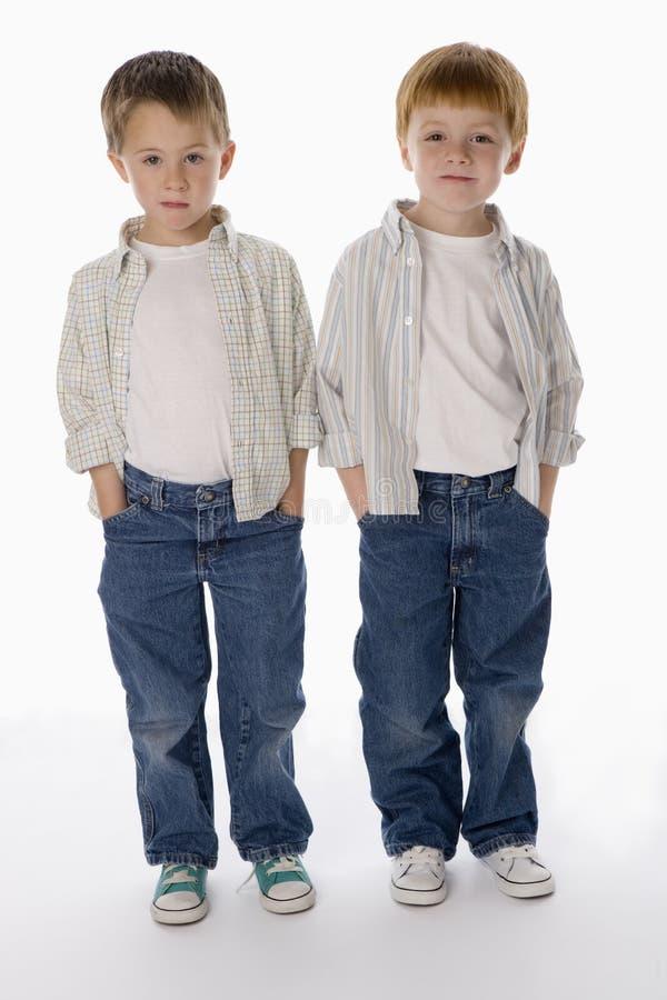 男孩纵向二年轻人 免版税库存图片