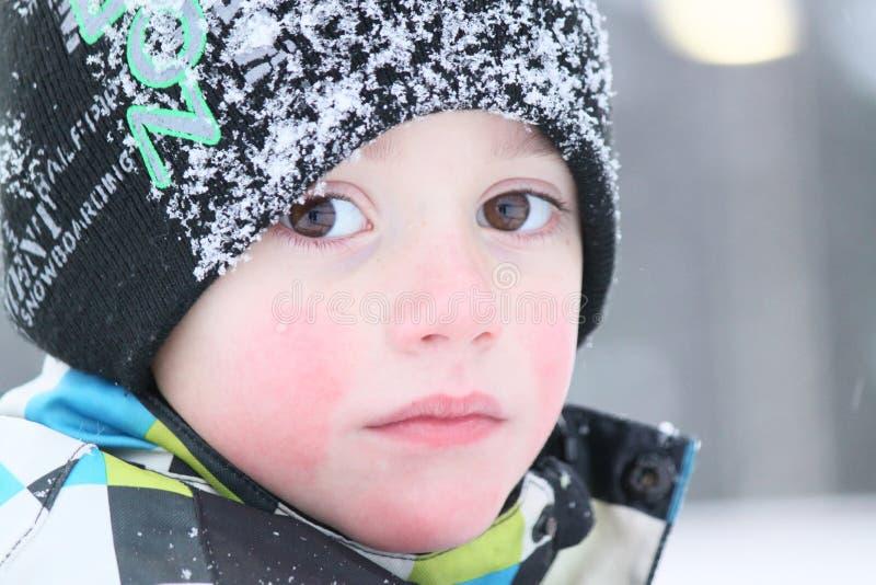 男孩纵向冬天 库存图片