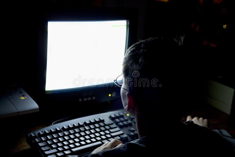 男孩计算机 免版税库存照片