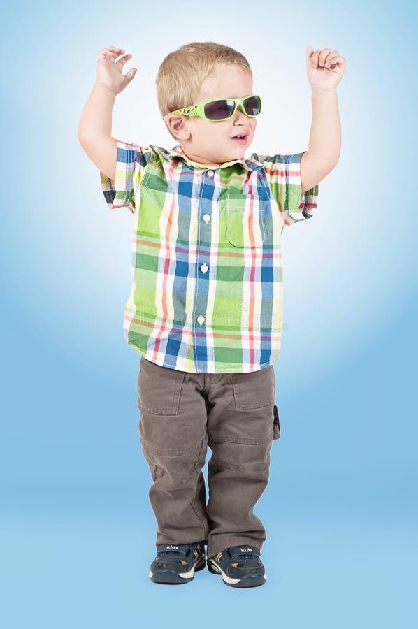 男孩跳舞一点 免版税库存图片