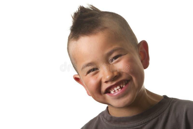 男孩逗人喜爱的滑稽的理发查出的莫&# 免版税图库摄影