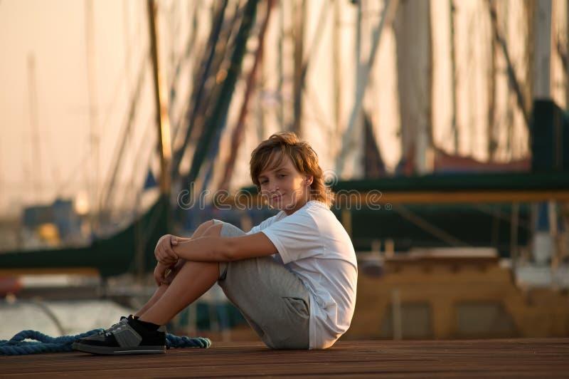 男孩逗人喜爱的纵向年轻人 图库摄影