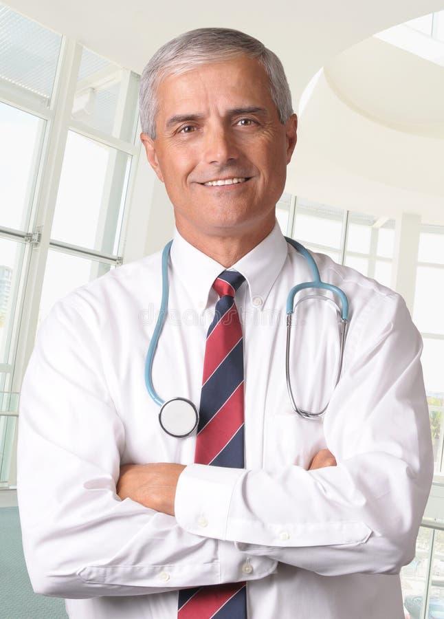 男性医疗专业听诊器 库存图片