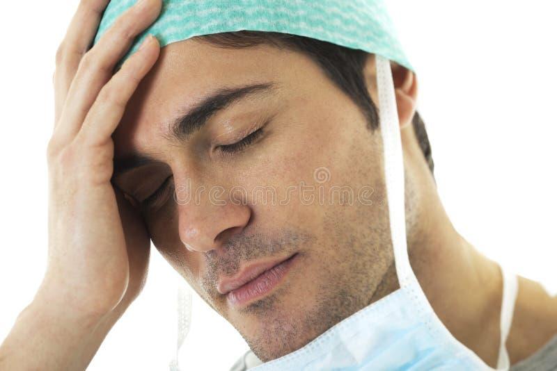 男性外科医生疲倦 库存照片