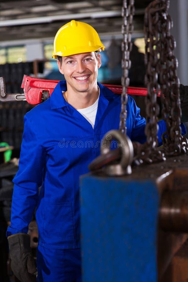 男性工业安装工 库存图片