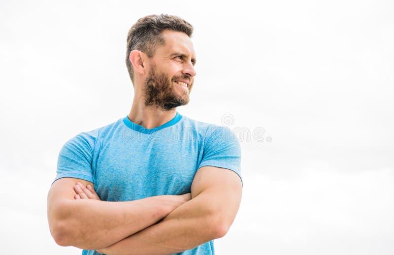 男性秀丽和身体健康 健康和愉快 保留青年时期和生气勃勃甚而在成熟年龄 有肌肉胳膊的人 图库摄影