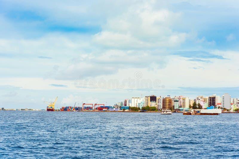 男性,马尔代夫- 2016年11月, 27日:男性城市的看法 库存图片