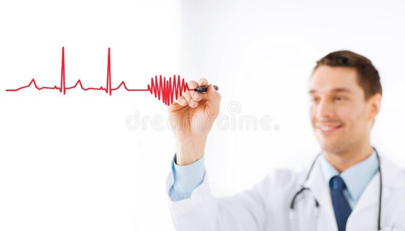 男性医生图画心脏在天空中 库存图片