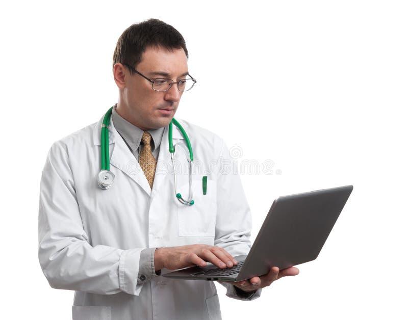 男性医生工作 免版税库存图片