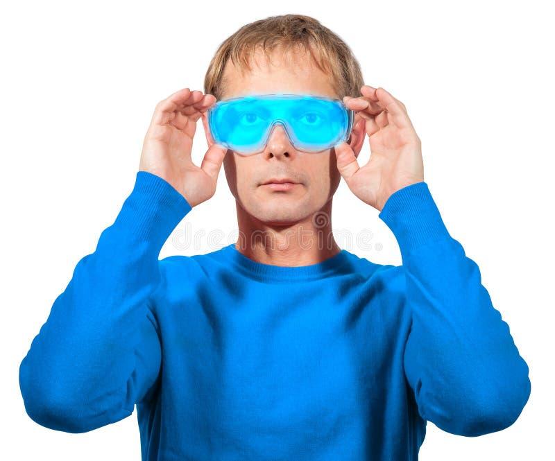 男服摘要未来派防护眼镜画象,被隔绝 免版税库存图片