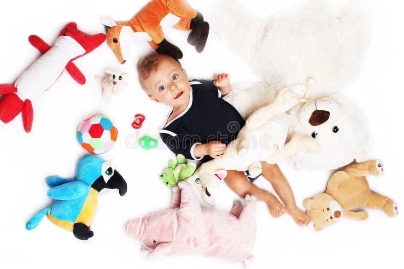 男婴和他的玩具 库存图片