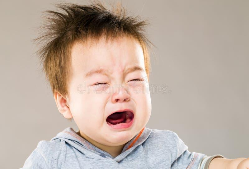 男婴哭泣 库存照片