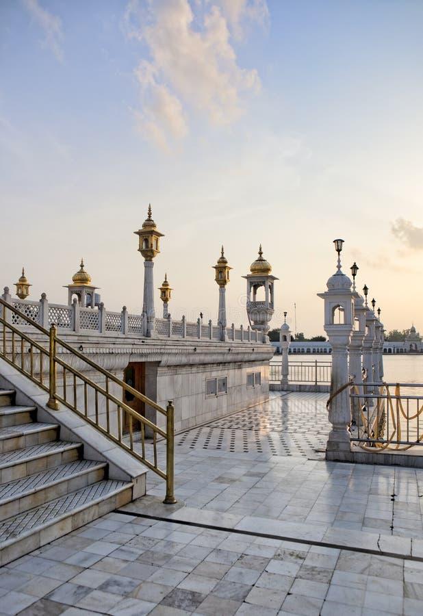 画廊锡克教徒的taran小湖寺庙 免版税库存照片