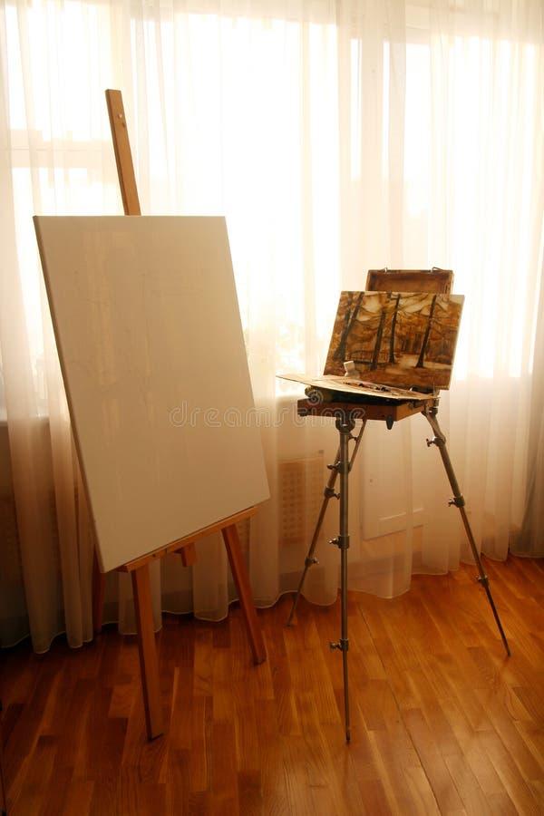 画架内部 皇族释放例证