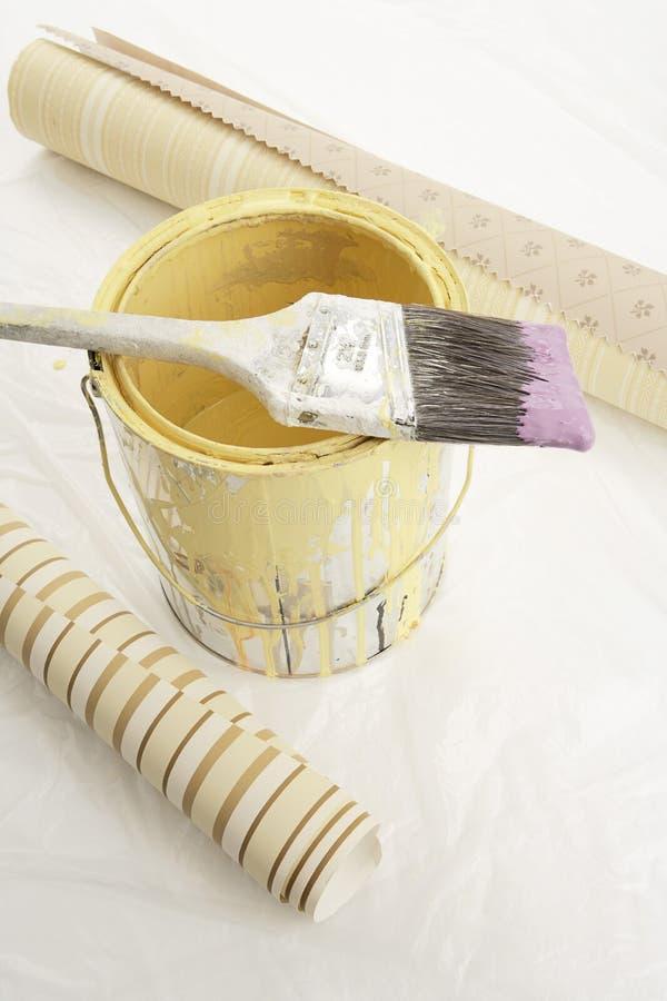 画笔可能绘纸范例二墙壁 免版税库存图片
