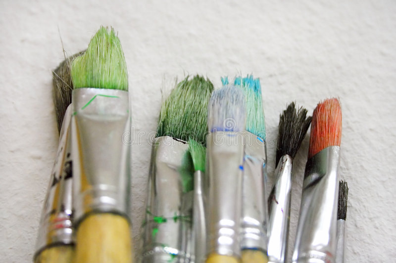 画笔束起接近的油漆视图 免版税库存照片