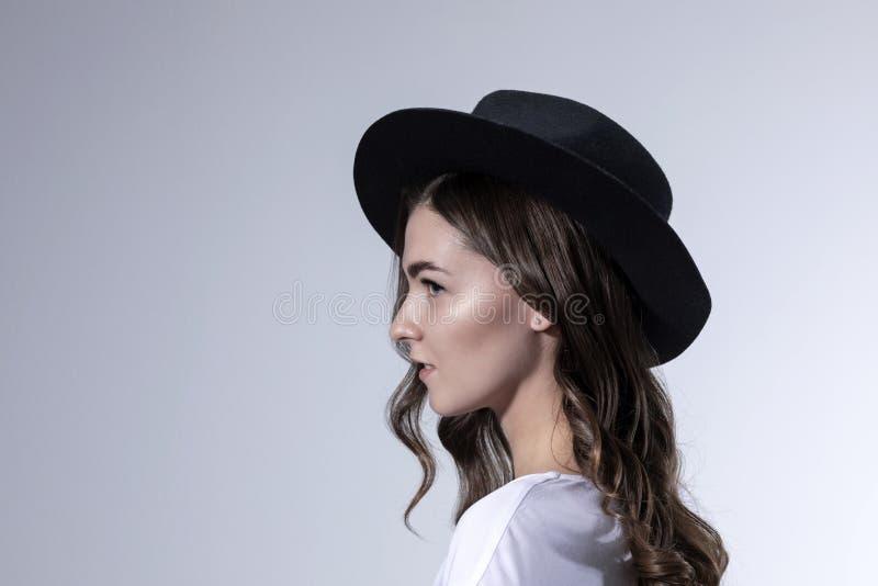 画象一少女的照片写真有长的卷发的 免版税图库摄影
