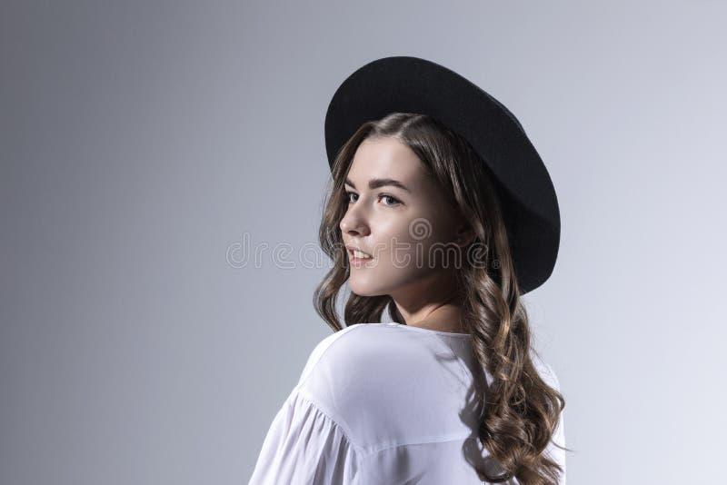 画象一少女的照片写真有长的卷发的 免版税库存照片