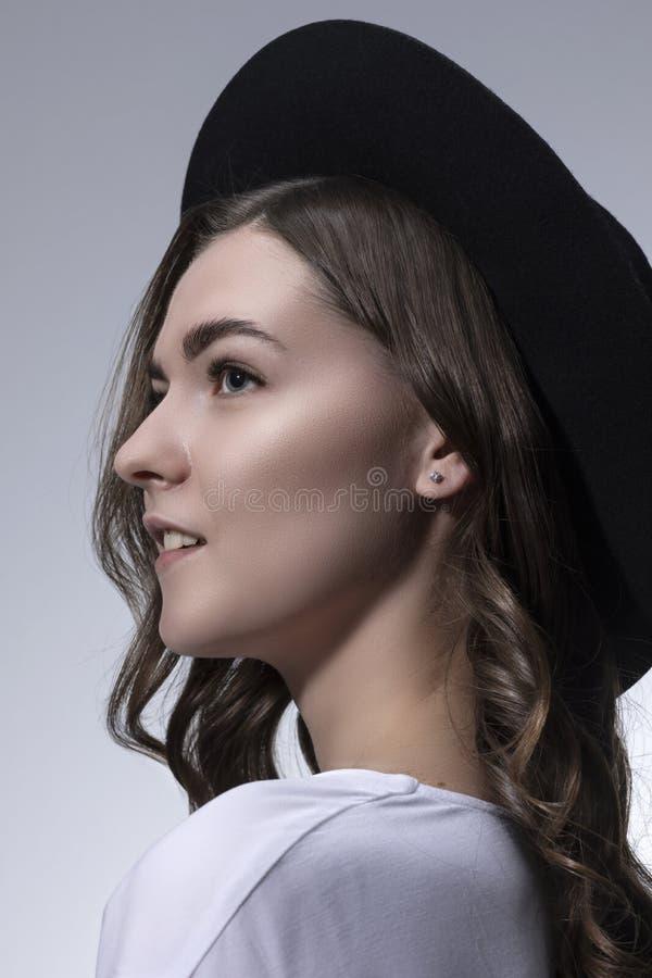画象一少女的照片写真有长的卷发的 图库摄影