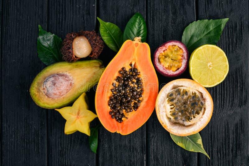 番木瓜,金桔,西番果,maracuya 图库摄影