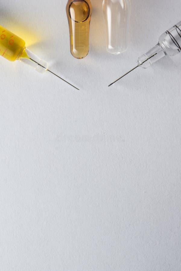 治疗和药房产业的透明注射器 免版税库存图片