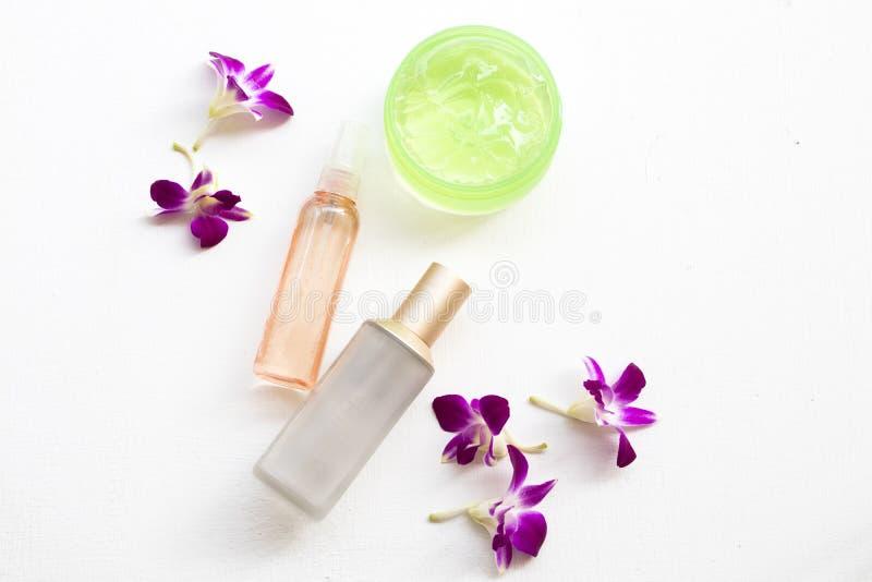 疗法第一种血清调色剂,喷水,皮肤面孔的安慰的胶凝体医疗保健秀丽 免版税库存图片