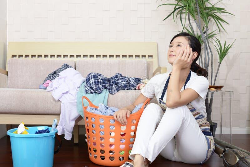 疲乏的亚裔主妇 库存照片