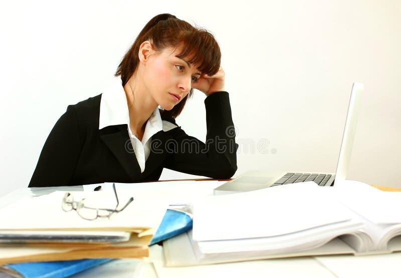 疲乏的女商人 库存图片