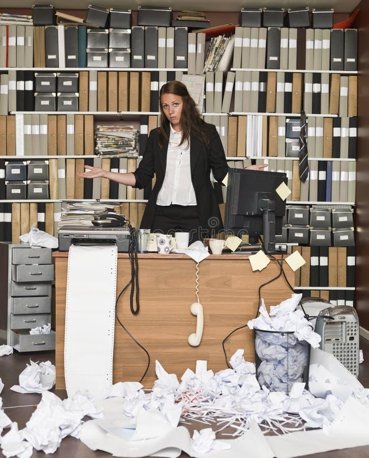 疲乏的女实业家 免版税库存照片