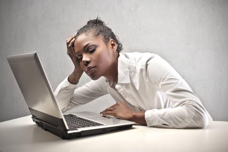 疲乏的黑人女孩 免版税库存图片