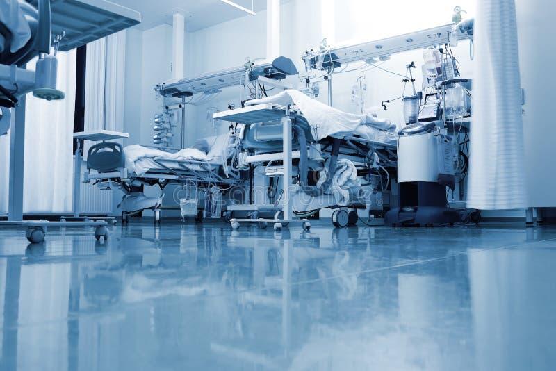 病区的典型的看法一个现代诊所的 免版税库存图片