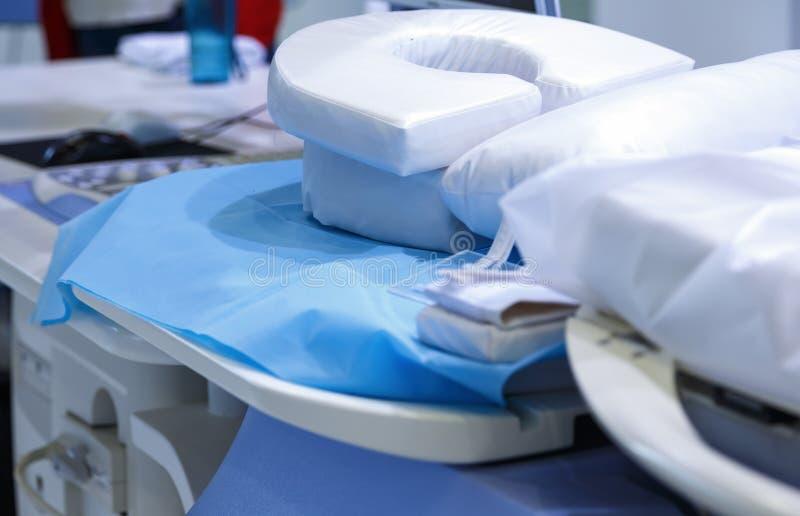 癌症治疗超声波用具的设备关闭肿瘤学部门的 库存图片