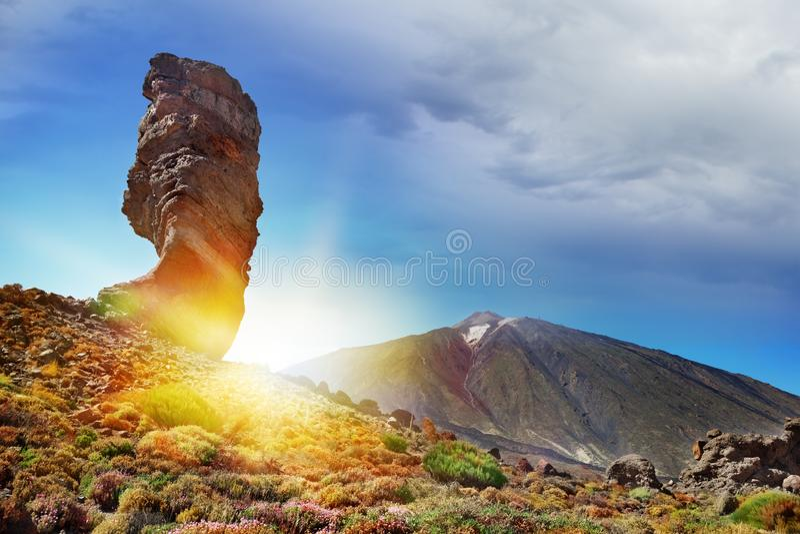 登上泰德峰全景在日落的 旅游业在加那利群岛 海滩西班牙,特内里费岛 库存图片