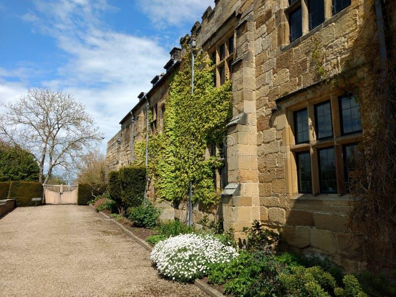 登上雍容小修道院、议院和庭院 库存照片