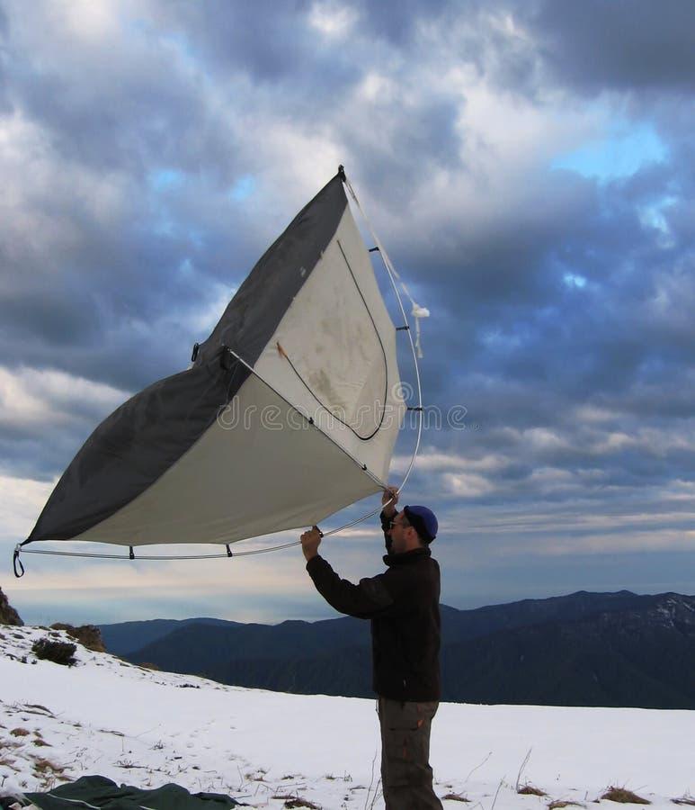 登山人帐篷 库存图片