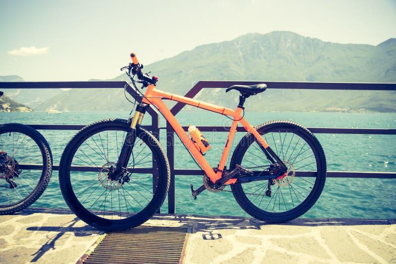 登山车在湖garda,意大利 免版税图库摄影