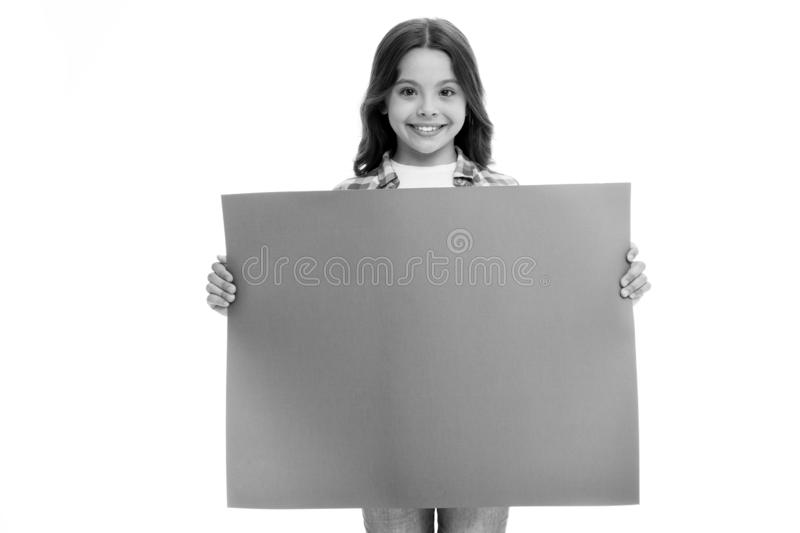 登广告者做广告 小女孩广告的举行纸 有地方的广告孩子拷贝空间的 登广告者做广告 库存照片