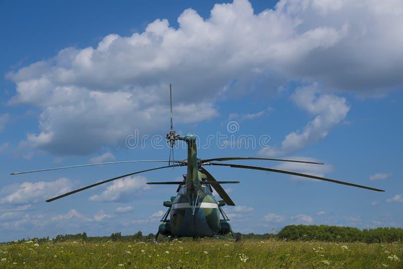 登陆的直升机 免版税库存图片