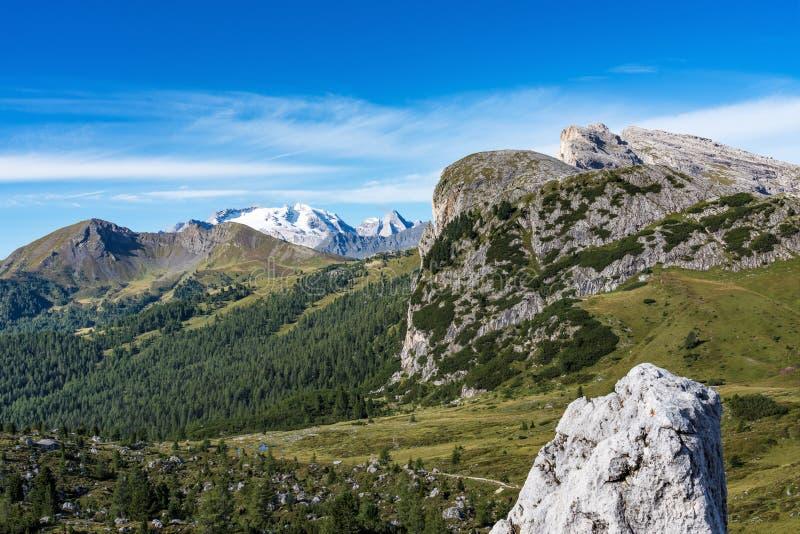 白云岩山,Passo Valparola,科蒂纳丹佩佐,意大利 免版税库存照片
