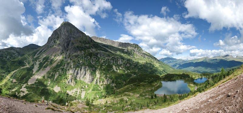 白云岩, Colbricon湖-特伦托自治省,意大利的风景 免版税库存图片