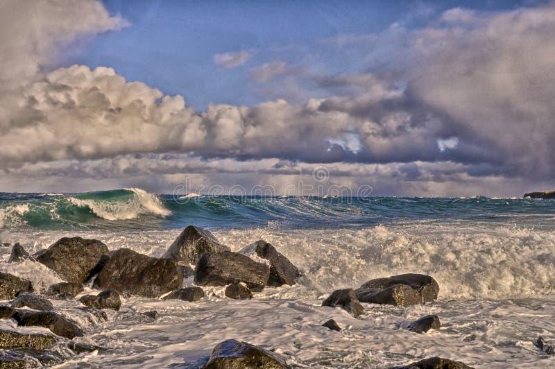 白令海海浪,圣乔治海岛,阿拉斯加 免版税库存照片