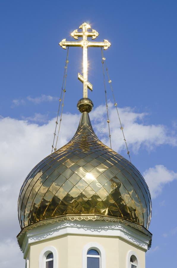 白俄罗斯,米斯克:安德鲁Pervozvannyi东正教圆顶的片段  库存照片
