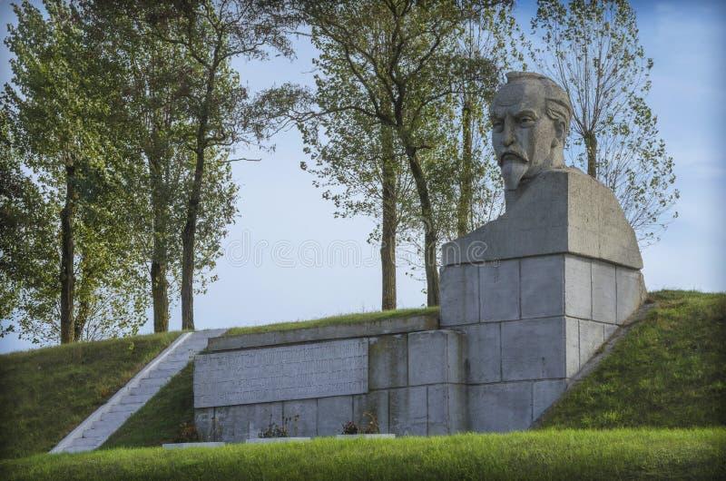 白俄罗斯, Stolbtsy :一座纪念碑在费利克斯・埃德蒙多维奇・捷尔任斯基的家园 免版税库存图片