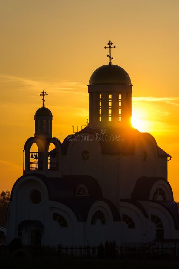 白俄罗斯, Zhodino,教会,日落 免版税库存照片
