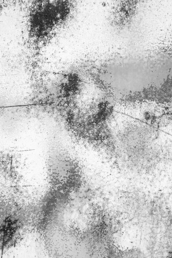 白合金墙壁与抓痕和镇压的纹理背景 库存图片