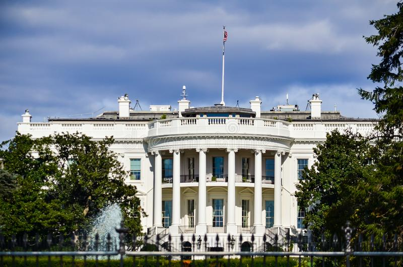 白宫,华盛顿特区视图从外面早晨 库存照片