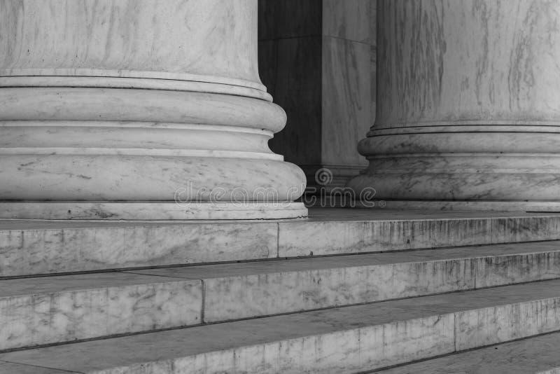 黑白柱子 免版税库存照片