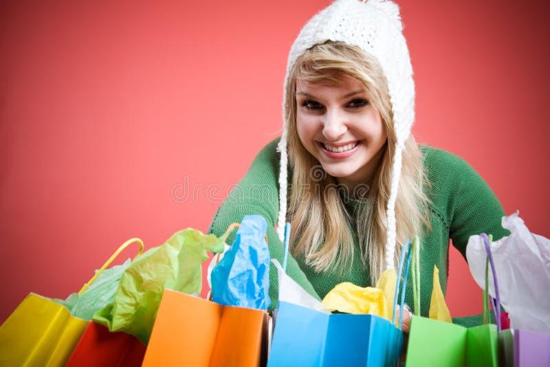 白种人女孩购物 免版税库存图片