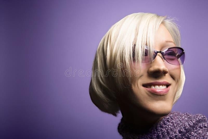 白种人纵向妇女年轻人 免版税图库摄影